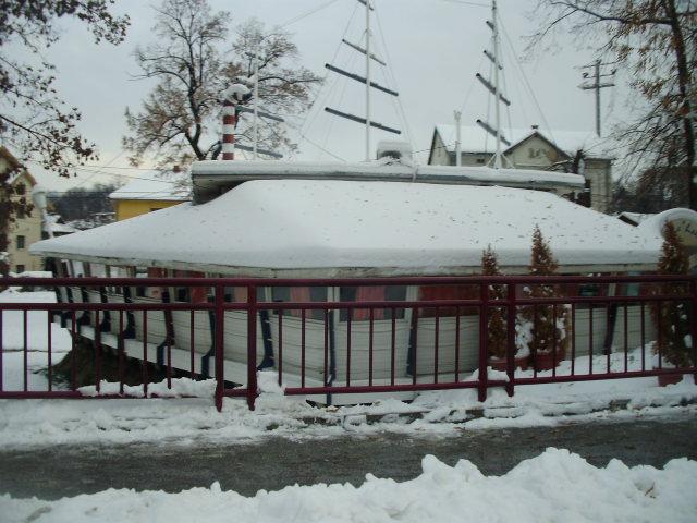 bela ladja vrnjacka
