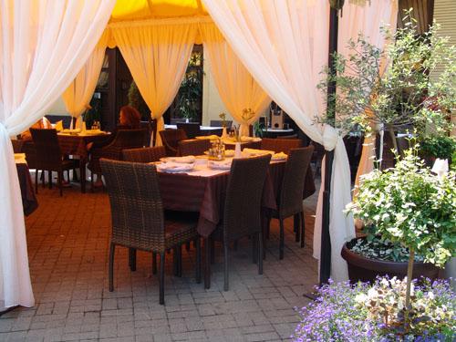 Vila San-Vrnjacka Banja- restoran