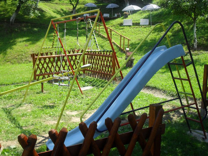 sadrzaji za decu na bazenu kolbuk